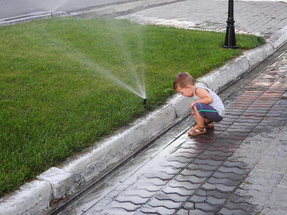 Артем и вода